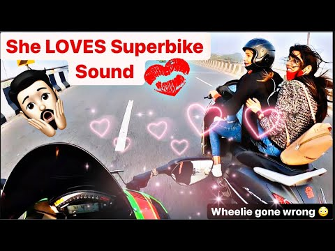 Cute GirlsExtremely Scared by Superbike Sound ZX10R |  GirlsReactions |  NEWJACKET?  😍 # kawasaki # zx10r